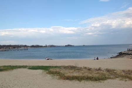 Lovely Bed&Breakfast at the Beach! - Stamford - Bed & Breakfast