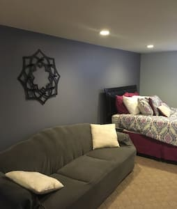 Private Space in Tinley Park House - Tinley Park
