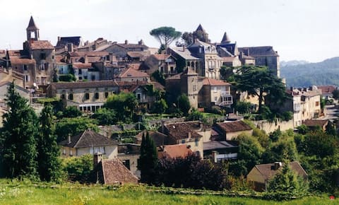 Great location & views in beautiful medieval town