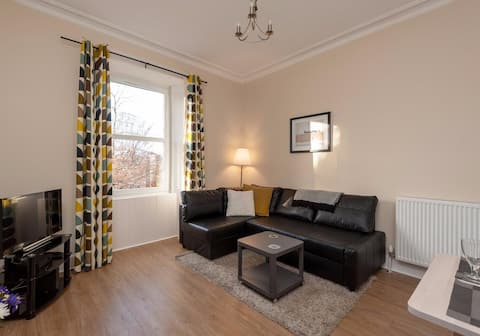 Central yet Quiet, Stylish&Bright with Canal View