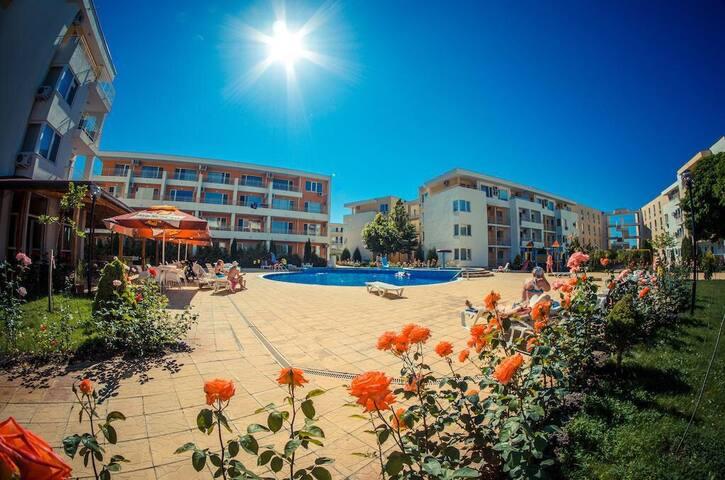 Солнечная двушка в Болгарии