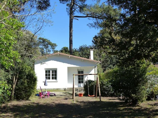 jolie villa, calme, plage et centre - Saint-Palais-sur-Mer - Rumah
