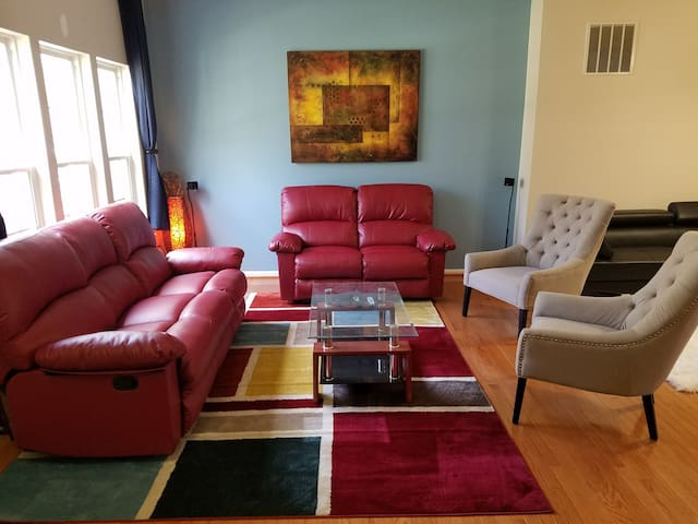 Affordable Cozy Stay in great loc - Springfield
