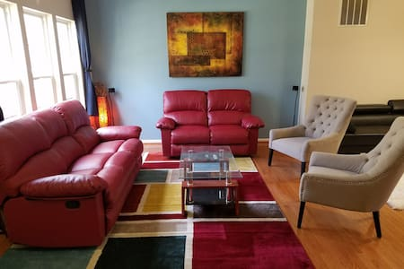 Affordable Cozy Stay in great loc - Springfield - Casa
