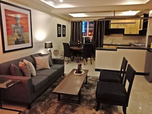 2 Bedroom Apt in City Center for Sinulog (4-6pax)