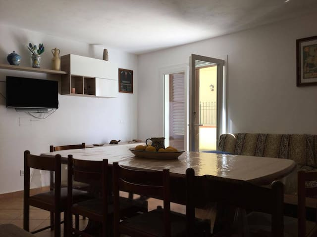 Casa di Enrico - Rilievo - Milik mertua