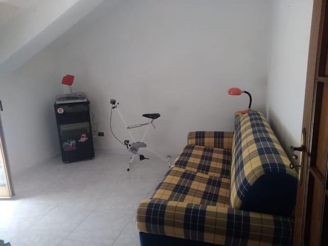 Stanzetta con divano letto