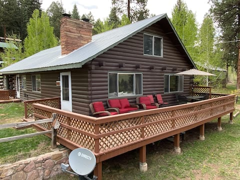 Cabin in the Heart of  Vallecito with Lake Views