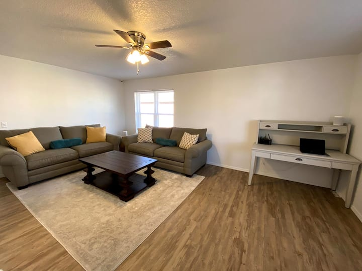 Comfortable Stay near Bentonville and Fayetteville
