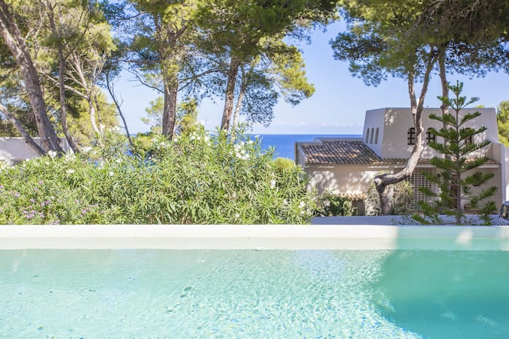 VILLA CALA PADRI - Villa with sea views in Capdepera - Font de sa Cala. Free WiFi