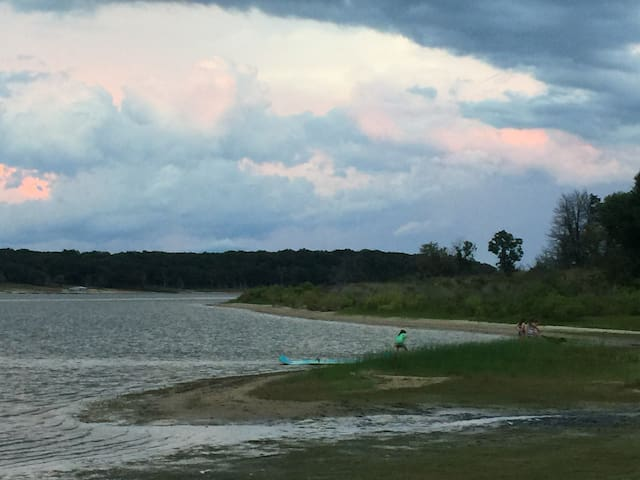 Lake Texoma Sandy Creek Retreat  Lake Front