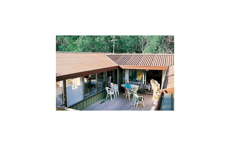 Holiday cottage with 4 bedrooms on 152 m² in Hadsund