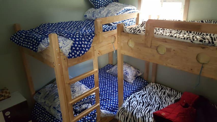 별채 4인실(Mixed 4bed in Dormitory)