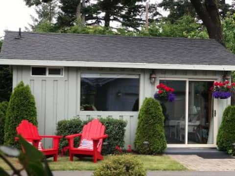 Floras Lake Guest House