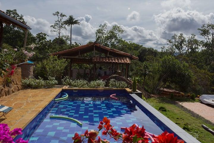 casa de campo con piscina 8 huespedes