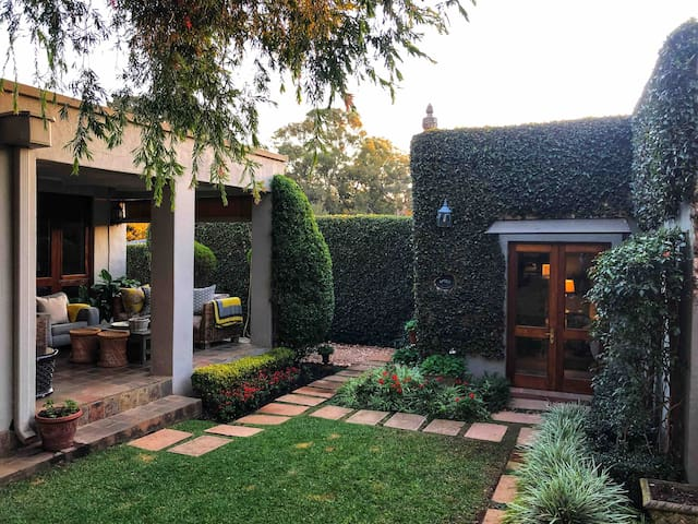 Ensuite in trendy Parkhurst