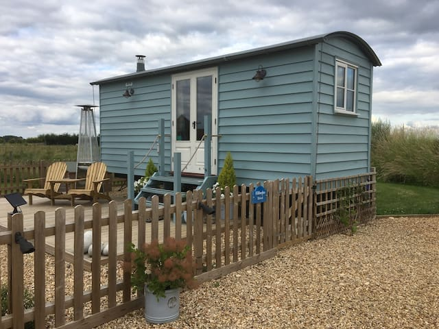 Luxury Shepherds Hut in West Norfolk