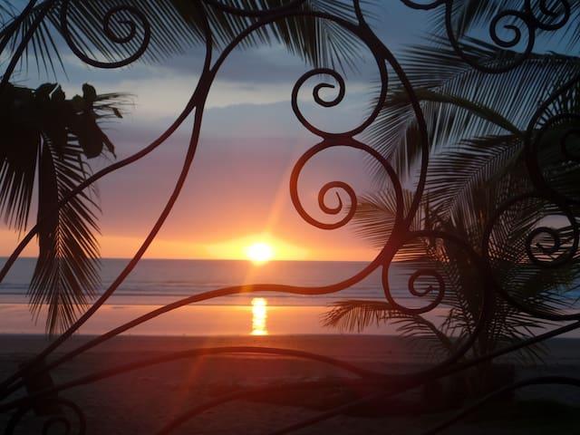 Beachfront Hotel Catalina - Jacó - Cabin