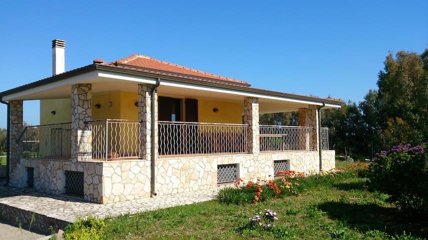 Appartamento in villa fino a 4 persone - Alghero - Villa