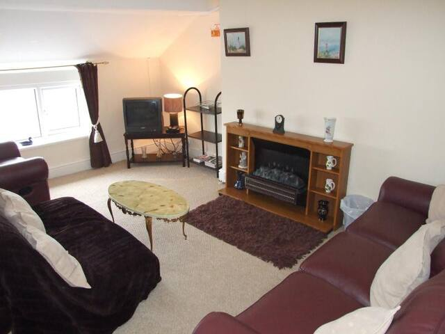 Apartment 3 - Lounge