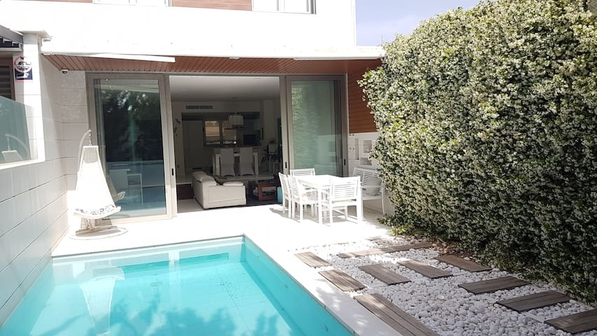 House in Palma with private swimming pool.