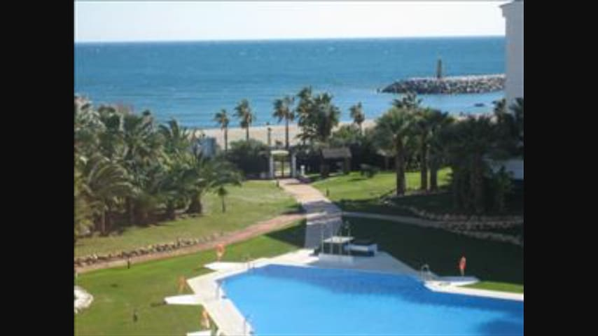 Puerto Banus Front Beach Apartment - Marbella - Apartment