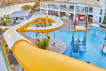 Resort do Lago. Ótimo Apto. para 5 Pessoas