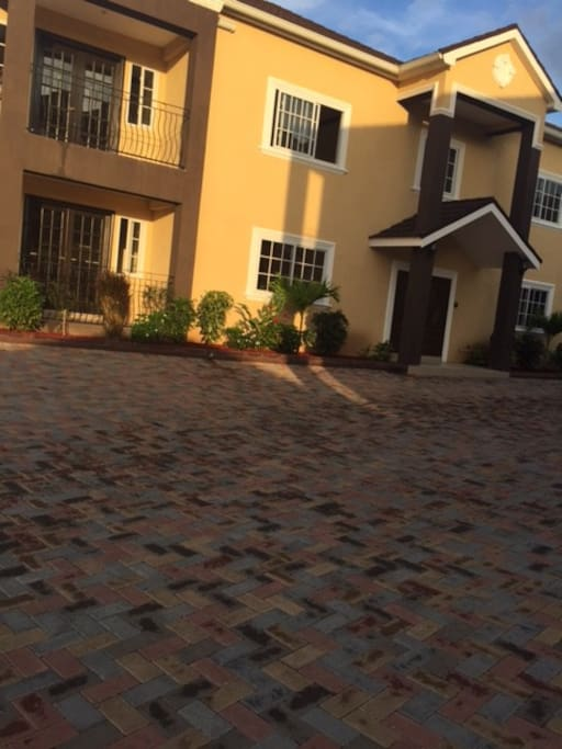 Small Complex in a gated upscale community in Cherry Gardens