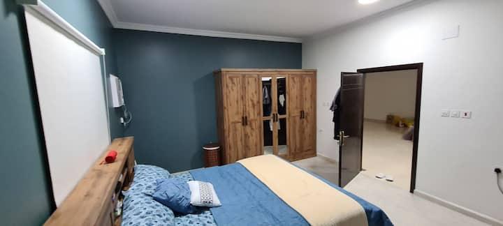 شقة غرفة وصالة وحمام