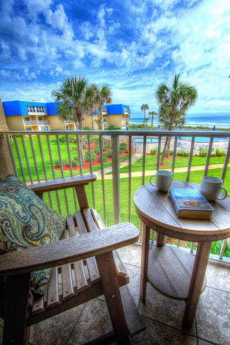 Extra high chairs on the balcony mean breathtaking beach views!