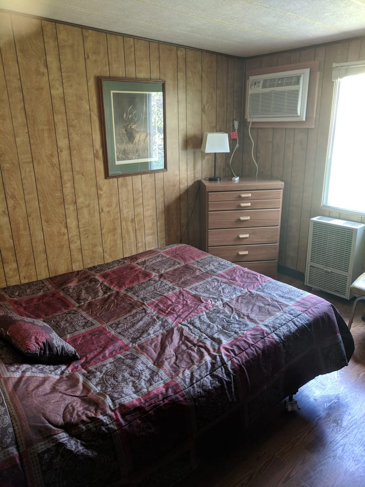 The Elk Room at the Guesthouse in Hiawatha's Camp