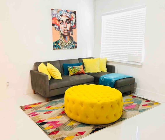 Miami Artsy Villa 15 min to Beach,Airport &Wynwood