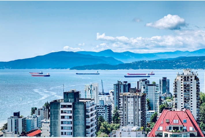 Breathtaking view DT Vancouver with free parking