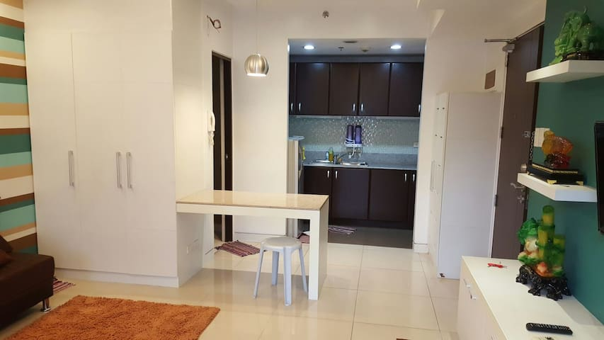 Condo in Araneta Center, Cubao - Quezon City - Apartemen