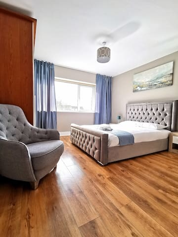 ★ Relaxing flat minutes from the Airport ✈ ★