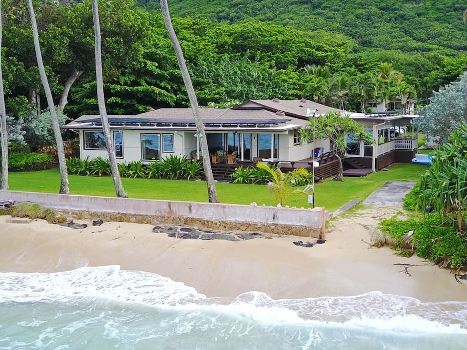 4 Bed, 3 Bath, Beachfront, Secluded beach, Mountain view, Peaceful,Central air