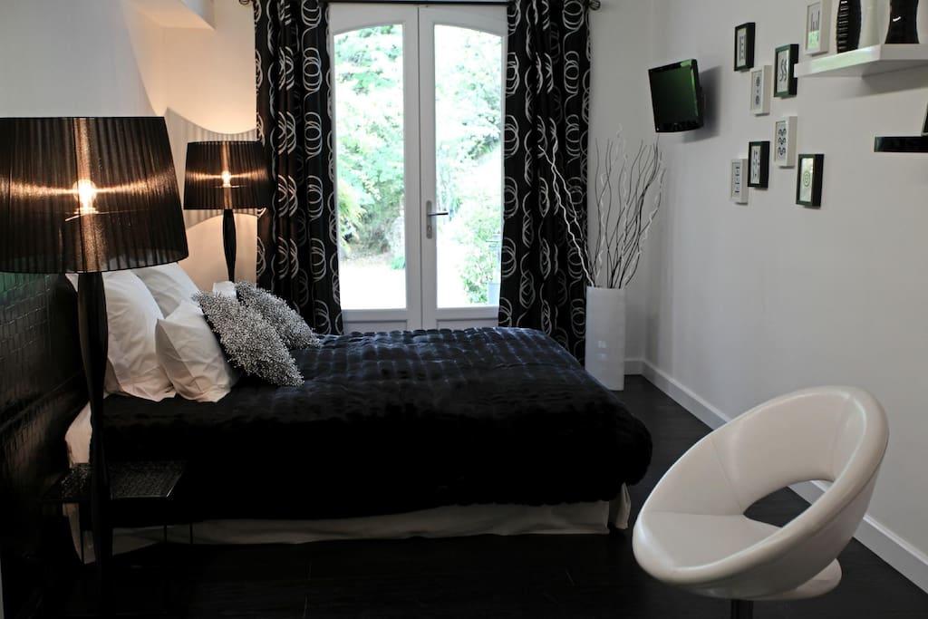Black & White - avec accès à la terrasse privatige