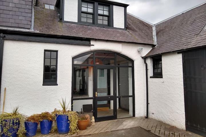 Stables Bothy - one bedroom getaway in St Boswells