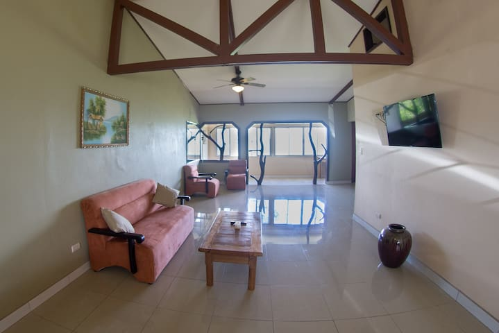 Large 1 Bedroom, 1.5 Bath Lake View Appartment - Guanacaste Province - Daire