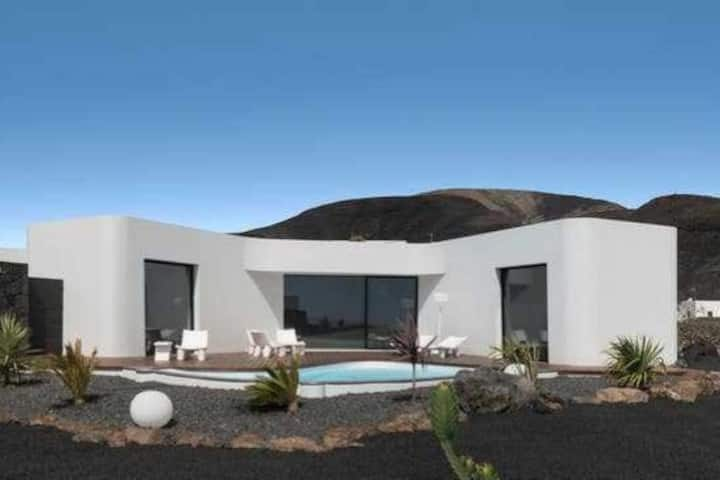 VULKANO HOUSE arquitectura y paisajismo en Mala