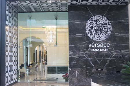 Versace Luxury 1YR - Pool/Gym Downtown + Rent Car