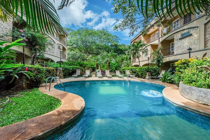 Private room in a tropical Condominium