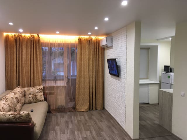 Светлая квартира с новым ремонтом в центре города