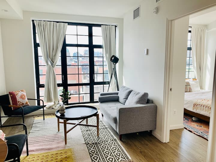 Beautiful 1 Bedroom Apartment in Little Italy
