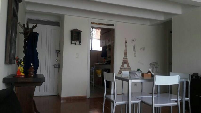 Habitación para Chica!Súper central - Bogotá - Daire