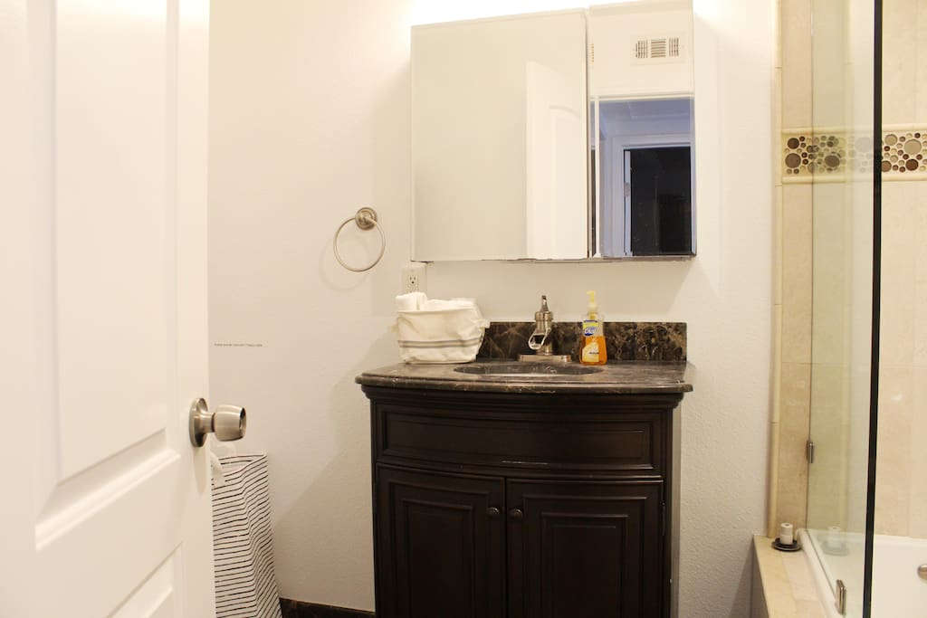 Cute Bed Private Bathroom Near Oc Attractions Houses For Rent In Fountain Valley California