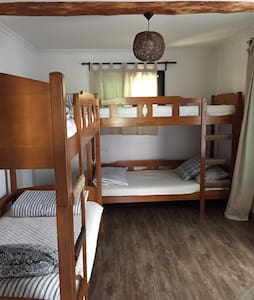 4 bed mixed dormitory in 무아게스트하우스 Mua guesthouse - Ssanggyo-dong, Namwon-si