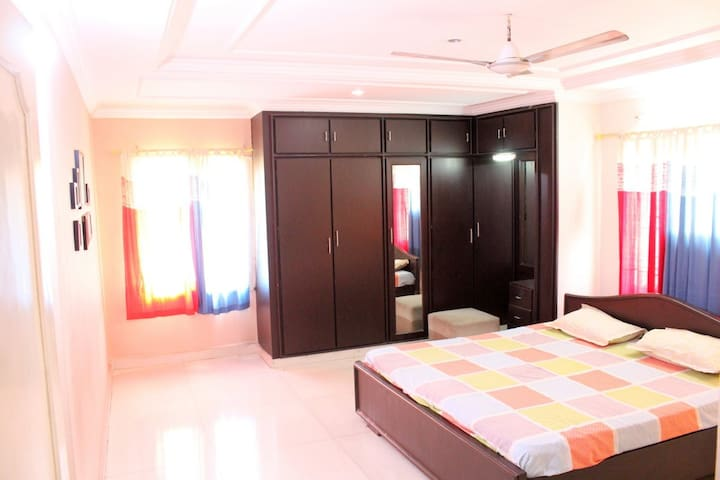 3 Bedrooms- Queeny Paradise- Entire Flat