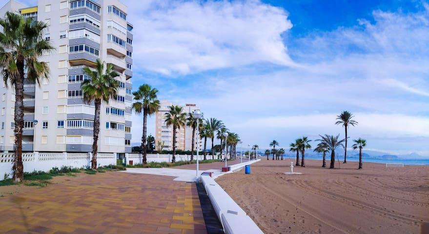 05 Primera línea de Mar en Urbanova - Alicante