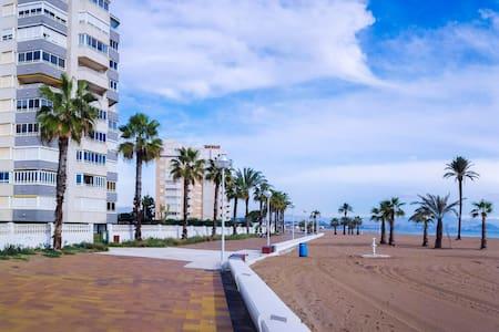 05 Primera línea de Mar en Urbanova - Alicante - Byt